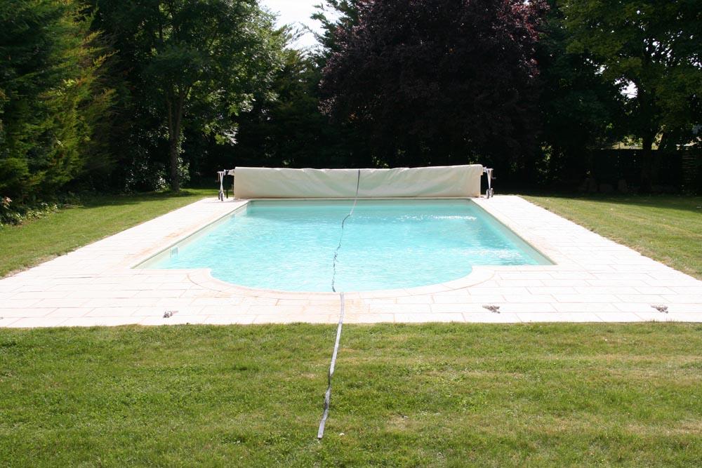 Bache piscine pas cher piscine pas cher bache de piscine for Ou trouver une piscine pas cher